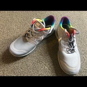 Gray Rainbow Nike Be true Sneakers